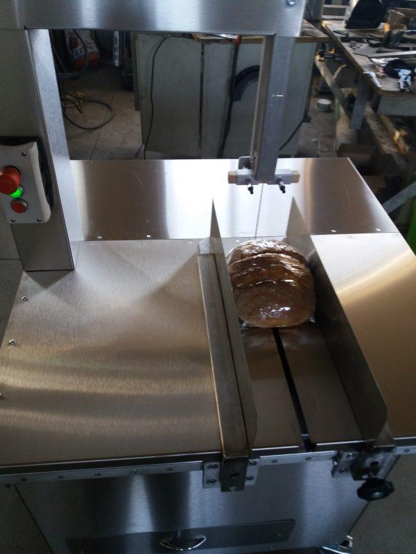 masina de taiat paine 2